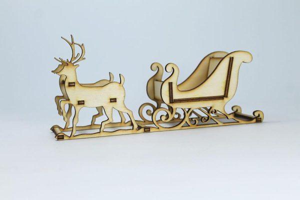 božićna dekoracija - saonice sa sobovima